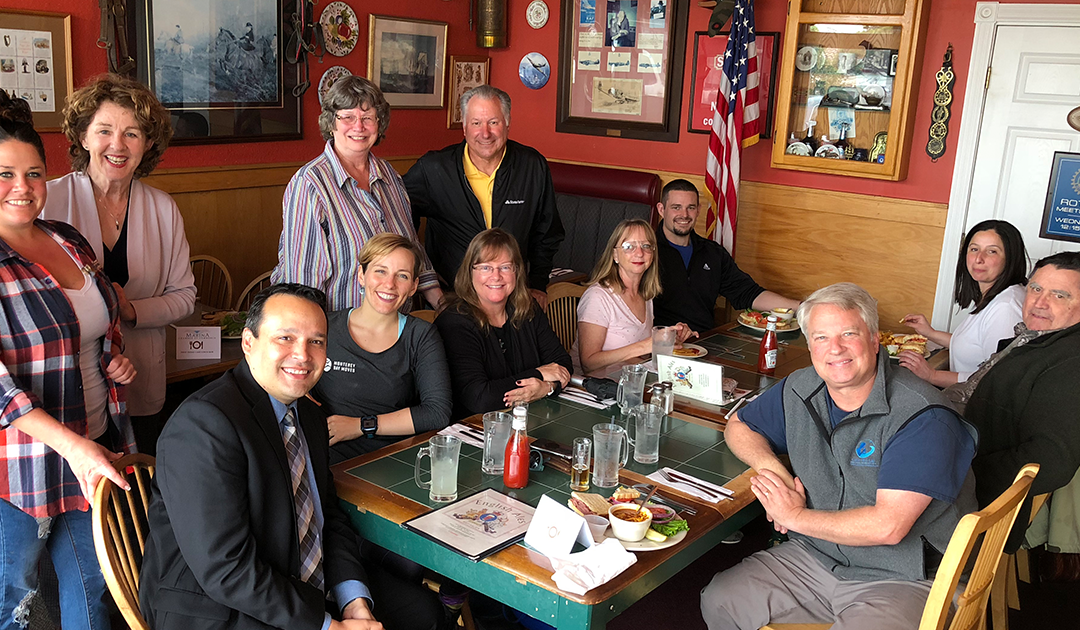 """April's """"First Friday Cash Lunch Mob"""" at English Ales"""